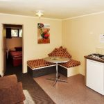 2 bedroom Park Motel - Living area (8a)